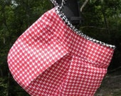 Red Houndstooth Clutch