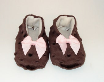 Baby Shoes Joannie Brown Minky Dot Slippers with Pink Bows size 5 12-18 months