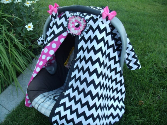 Carseat Canopy FREESHIPPING Code / Carseat Cover / Carseat Tent / Carseat Blanket Chevron in Hotpink dots