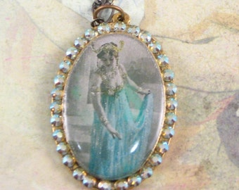 Romantic Cameo Pendant with Mata Hari with Swarovski Crystals in Brass-tone Mounting JF1028