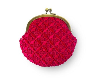 Metal frame coin purse // Red Lace