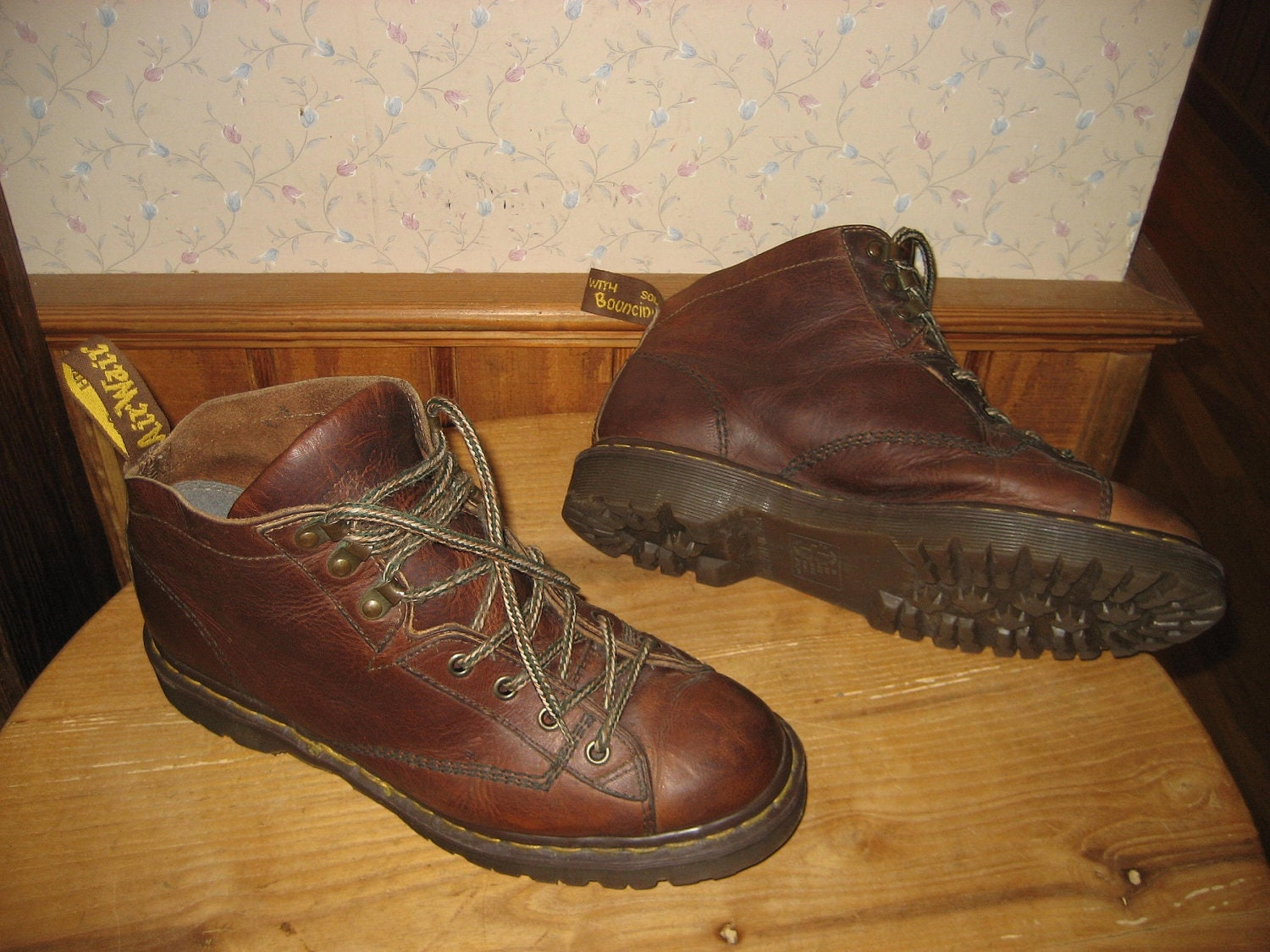 dr martens air wair boots made in england mens us. Black Bedroom Furniture Sets. Home Design Ideas