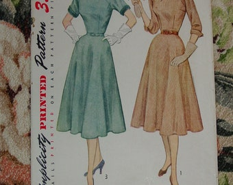 Vintage Pattern 1951 Simplicity No.3689 Dress, Size 12