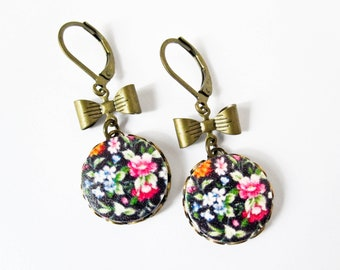 Flower and Bow Earrings - Wood Jewelry - Shabby Chic Jewelry - Flower Earrings - Black Chintz