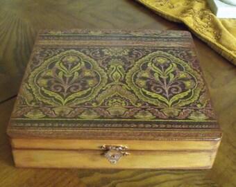 Jewelry Box Decoupaged Box Damask Box Gold Box Keepsake Box Storage Box Memory Box Decorative Box Home Dedor Wood Box Floral Box