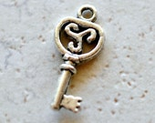 6 pcs Key Charms Antiqued Silver Skeleton Keys 20mm, Pendants Drops Findings Silver Charms