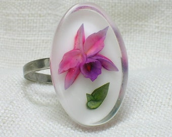 Silver Ring, Lucite Reverse Carved Orchid Flower, Mid Century era. Size 6, 7, 8 (adjustable)