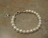 pearl bracelet, pearl jewelry, flower girl jewelry, kids pearl bracelet, baptism gift, birthday gift, Christmas gift, communion gift