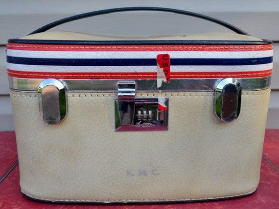 Red White Blue Train Case Ventura Overnight Cosmetic Vinyl 1970's