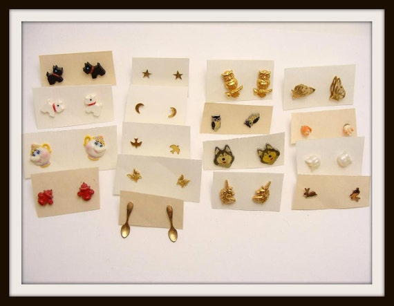 17 pair of vintage 80s Figural Studs Pierced Earrings scottie dogs owls butterflies spoons unicorns bunnies