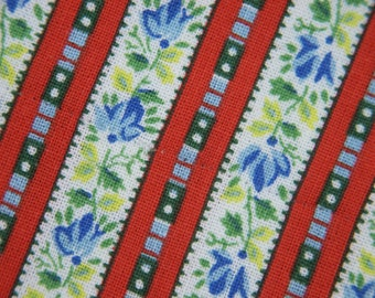 Vintage 1950s quilt fabric in highquality prewashed cotton with small printed red stripes and flower pattern for your quilting prodjects