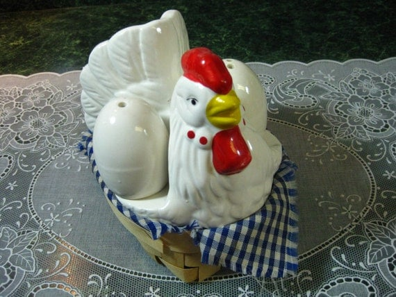 RESERVED Vintage Salt & Pepper Shakers: Chicken with Eggs Salt and Pepper Shaker Napkin Holder Set