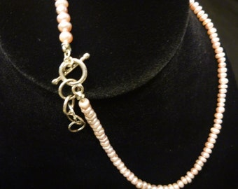 Vintage GENUINE FRESHWATER PEARL Mauve Necklace