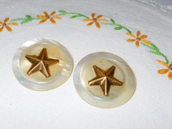 RESERVED FOR MIRANDA   Pearl Buttons With Gold Metal Star Embellishments - Vintage