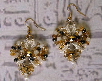Micro macrame earrings in white and gold. Micro macrame jewelry.