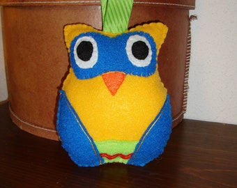 Felt Owl in Gold with Blue