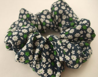 Tiny flowers  - Handmade Scrunchie