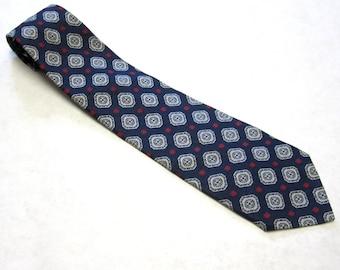 """Vintage Necktie 4"""" Wide Red White Blue Polyester Tie"""