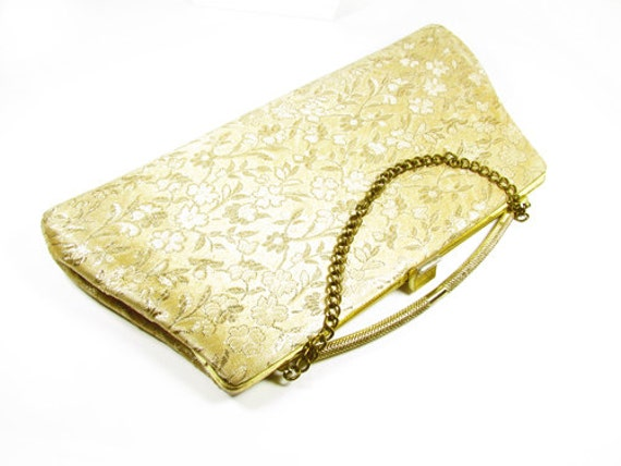 Vintage 50s Gold Brocade Satin Purse - Sac de Soirée d'Or. Vintage Accessories by My Chouchou on Etsy.