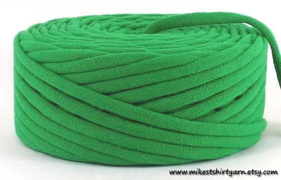 Recycled Tshirt Yarn Kelly Green 43 Yards Super Bulky Crafting Cord