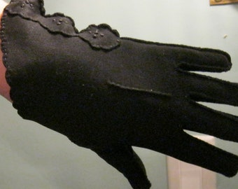 Vintage Black Gloves / Max Mayer Gloves / Scallop Embroidery / Med