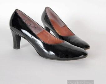 1960s Black Shoes Patent Leather Shoes Black  Pumps Vintage 60s High Heels