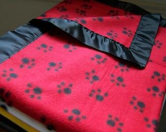 Fuzzy Paws Fleece Cozy - Pet Blanket