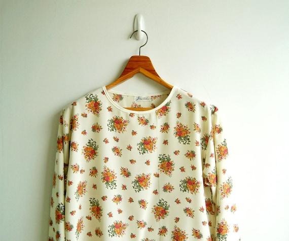 Vintage Ivory Cream Flower bouquet Printed Long Sleeves Top