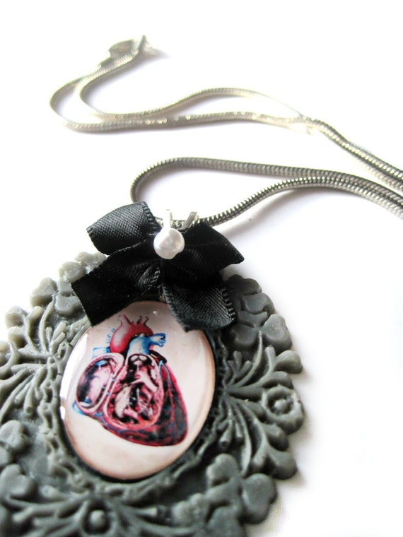 Heart necklace, anatomical heart, realistic heart, blood - Cameo necklace - Black, grey, bow, goth - silver snake chain - love, romance