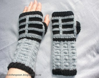 Pattern For Dalek-Inspired Fingerless Gloves