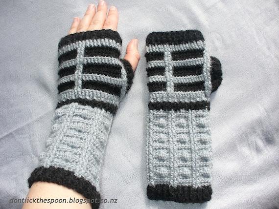 Pattern For Dalek-Inspired Fingerless Gloves