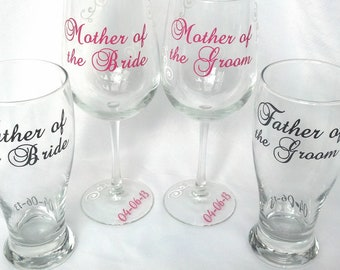 1 Wedding parents of the bride and groom personalized glasses.  1 glass price.  Mother and Father of the Bride and Groom gift.