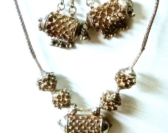 Gorgeous Vintage Silver Filigree Indian Necklace & Earrings Demi Parure Set