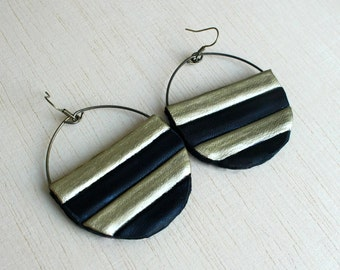 Striped earrings black and gold leather circles