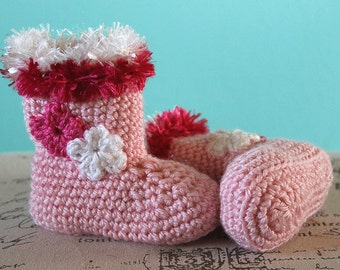 CROCHET PATTERN PDF - Instant Download - Crochet Baby Girl Christmas Boots - Crochet Booties