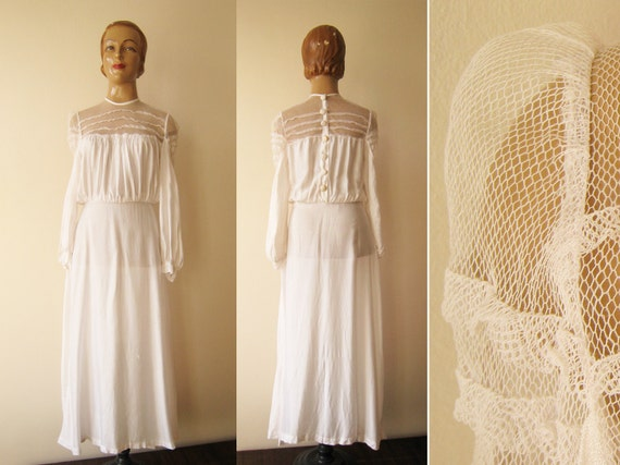 SALE Rare 1920s 1930s ANTIQUE white longsleeved vintage WEDDING dress with puff sleeves and netting size S M 20s 30s