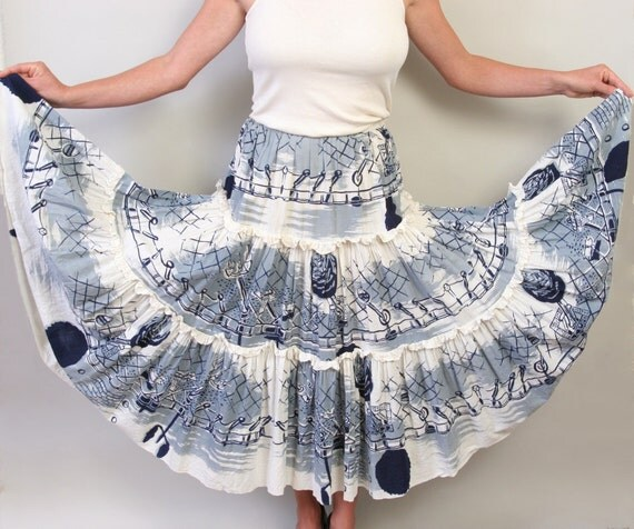 1950's circle skirt in cityscapes