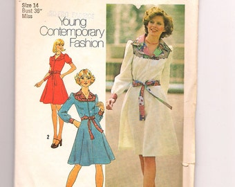 Vintage Simplicity 7130, Misses Dress from 1975