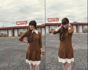 60s CONTRAST COLLAR Pleated Drop Waist MOD Dress, xs small