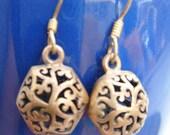 Antique Look Brass Pair Dangle Earrings FILIGREE HOLLOW HEXAGON