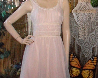 Vintage 60's  Darling Pink Baby Doll Gotham Gold Line Slip Sz Small--34-36 bust