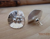 Silver Lily Earrings/ Sterling Silber Lilie Ohrstecker