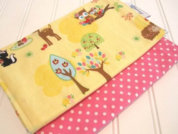 Burp Cloth/Hoo's in the Forest/Double Flannel Backing in White/Set of Two