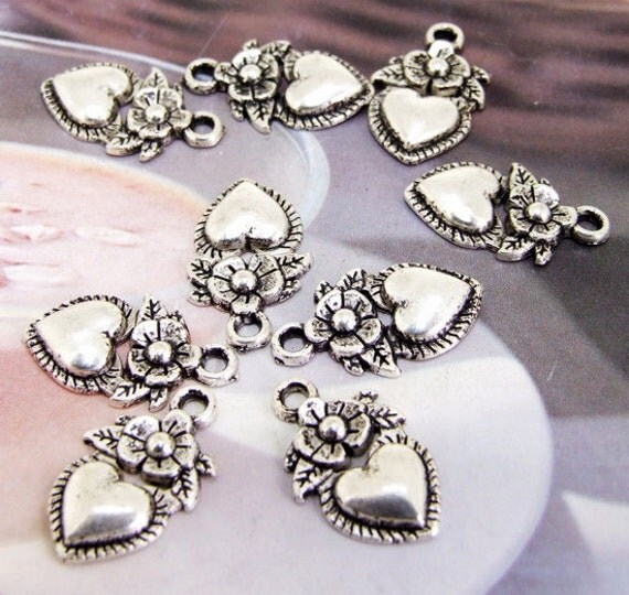 15 Beads--- Charm Flower Heart Pendant  Link  Beads Silver Plated Filigree Findings Metal Connector Link Beads 11mmx 19mm 3D