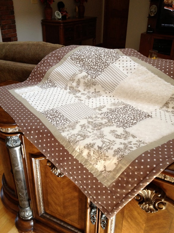 BABY QUILT - Brown TOILE