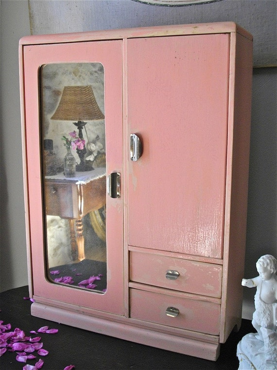 DISCOUNT of 15 % to 31 august 2012. Enter the code promo: HOLIDAYS2012   pink bathroom cabinet french antique