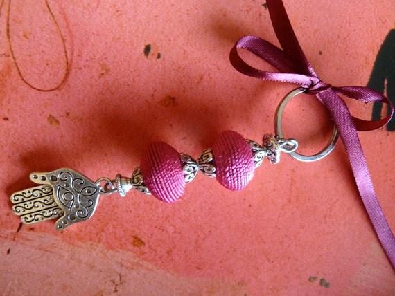 Moroccan keyring - hand of Fatima pendent - art silk beads - soft pink - moroccan art