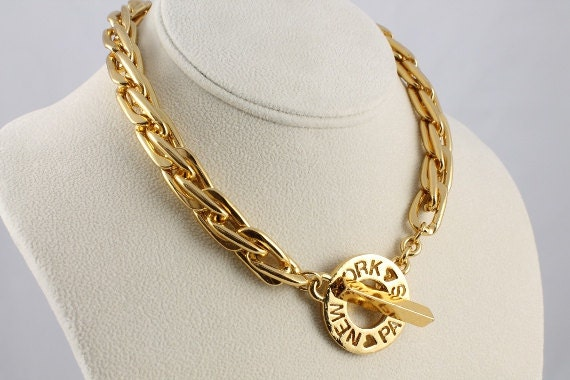 Carolee necklace vintage Toggle clasp chunky gold tone