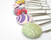 Spring fashion accessories - Giant paperclip bookmarks, Set of 5 paperclip bookmarks with fabric covered buttons