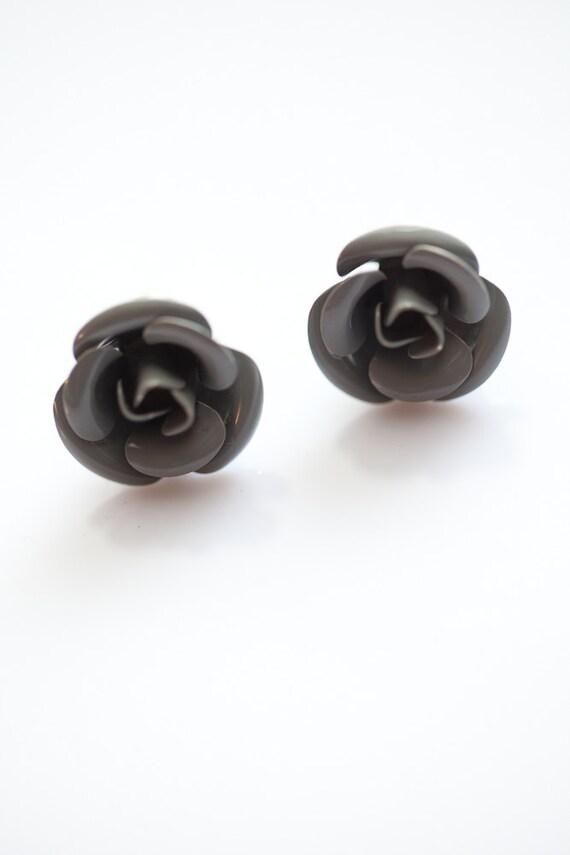 Gray Rose Flower Earrings . Cute . Bridal . Wedding . Gift for her . Graduation